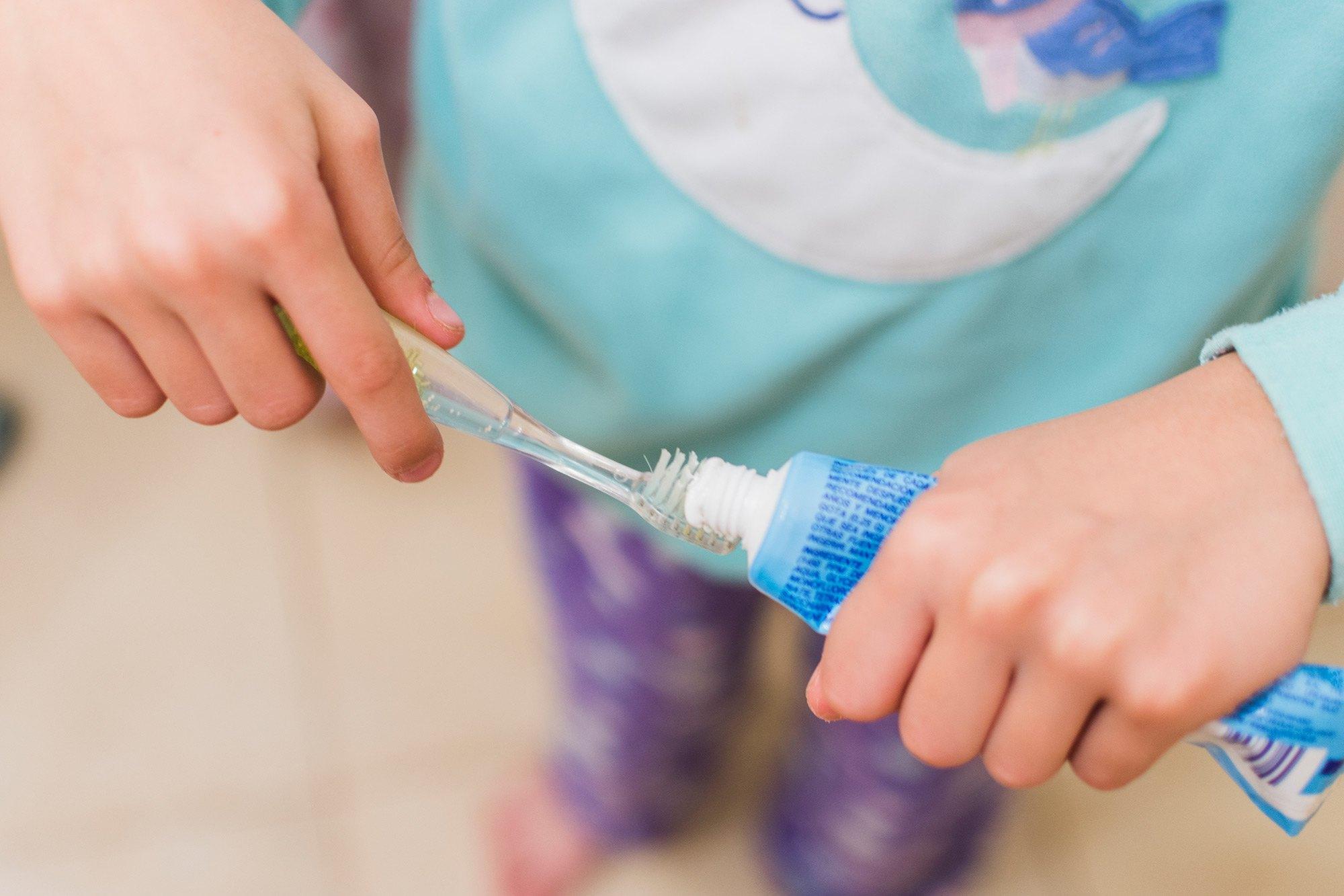 Cómo enseñar higiene bucal en la infancia - Acosta Cubero